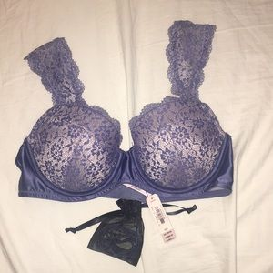 NWT Victoria Secret dream angels lined demi 32D